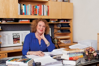 <p>Agent Susan Golomb, whose clients include Jonathan Franzen, Rachel Kushner, and William T. Vollmann, talks with Michael Szczerban in the latest installment of Agents & Editors. </p>