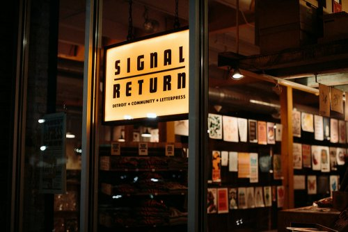 Signal-Return window