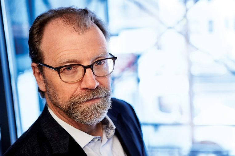 The Emotional Realist Talks to Ghosts: A Q&A With George Saunders